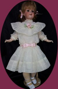 components_com_virtuemart_shop_image_product_Antique_Doll_Dre_51d8d6e53af72