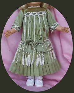 components_com_virtuemart_shop_image_product_Antique_Doll_Dre_54e7e86421295