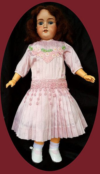components_com_virtuemart_shop_image_product_Antique_Doll_Dre_550db5c43a84b